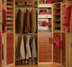 5 astuces pour gagner de l'espace dans vos placards